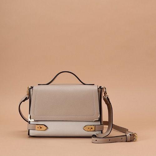 【日本必買】十大日本包包品牌推薦   2. 甜美華麗之選:Samantha Thavasa