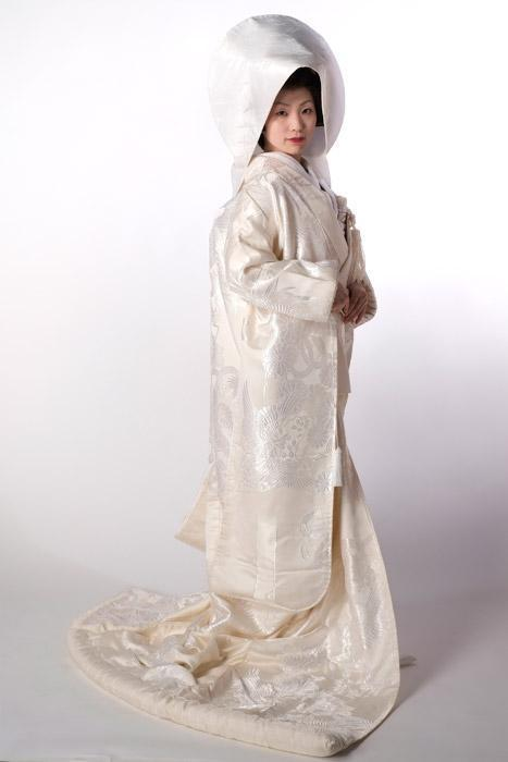 Shinto wedding outfit